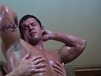 Beefy Oiled Guys Sucking Dongs Each Other