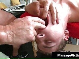 Dude gets super hot gay massage and gets a hardon