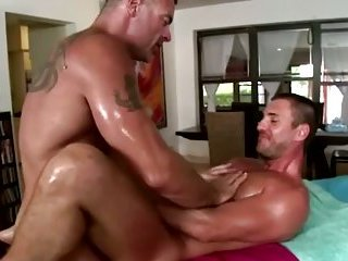 Gay bear fucks turned straighty in the ass
