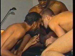 Horny Interracial Gay Guys Sucking & Fucking